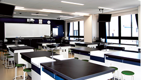 理科室(生物実験室・物理化学実験室)